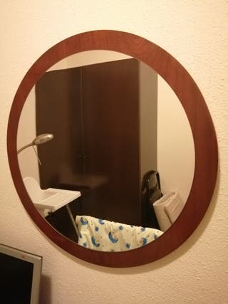 Espejo de pared.