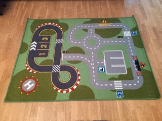 Alfombra circuito IKEA