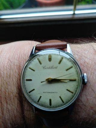reloj suizo Cortebert