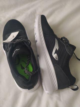 zapatillas negras deporte