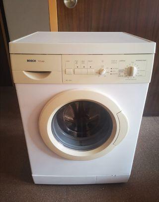 por mudanza, vendo lavadora marca Bosch