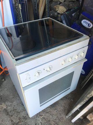 Placa vitro cerámica y horno