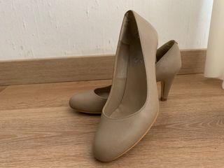 Zapato tipo salon piel beige