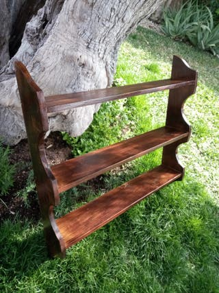 Estantería antigua de madera