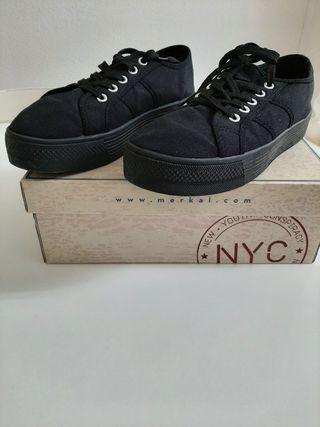 Zapatillas negras lona con plataforma