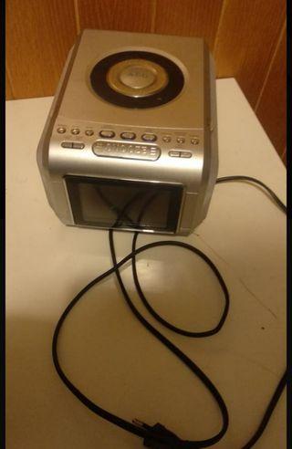 Reloj radio despertador con CD