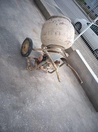 vendo hormigonera con motor de gasolina
