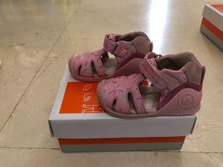Zapatos de niña talla 19 - Biomecanics