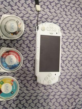 PSP 3000 BLANCA, FUNDA Y 3 JUEGOS