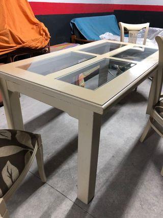 Mesa madera maciza. 160 x 90 x 80 cm.