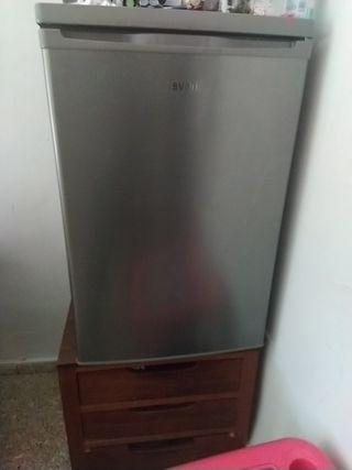 mini nevera con congelador