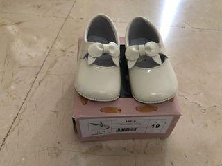 Zapato de niña talla 18