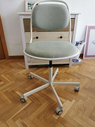 Silla oficina o Estudio, con ruedas, decorativa