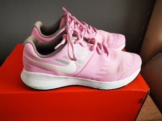 Zapatillas running Nike rosas