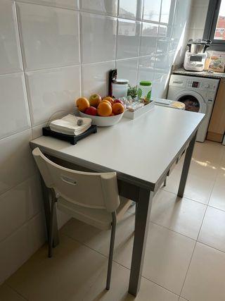 Mesa cocina extensible 110x70 + 2x32