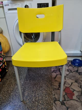 sillas de plástico apilables