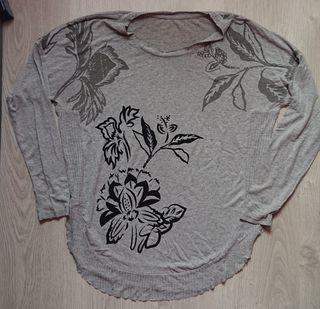camiseta oversize Desigual, manga larga