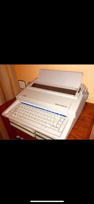 Máquina de escribir OLIVETTI LETTERA E-515 II