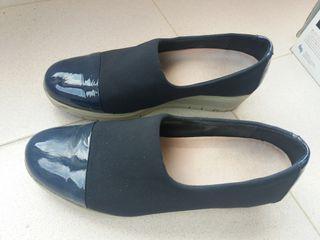 Zapatos con plataforma. T.40