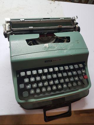 máquina de escribir olvetti tetera 32