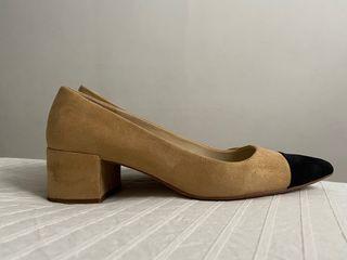 Zapato bicolor antelina tipo Chanel