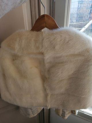 Abrigo cubre hombros vintage,de piel de vison