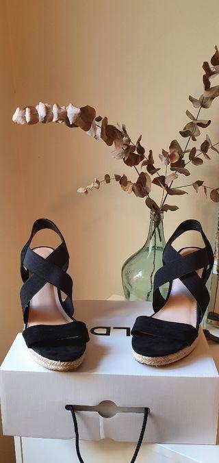 Sandalias negras plataforma ALDO 40