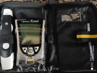Glucómetro Optium Xceed, para medir el azúcar