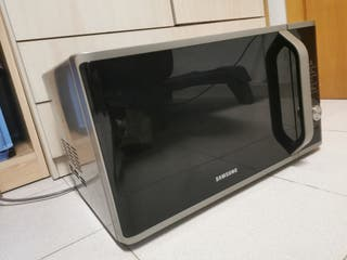 Horno-microondas con grill de 28 L.