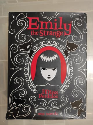 libros juveniles Emily The Strange