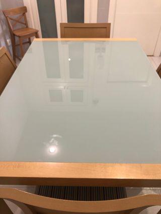 Mesa de cocina/comedor y sillas