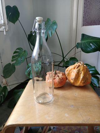 Botella cristal antigua
