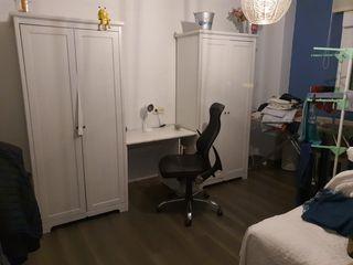 armario , silla y escrtorio