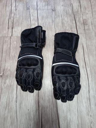 Chaqueta moto y guantes