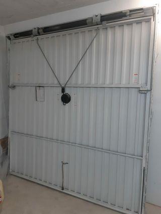 puerta aluminio oscilante, 280 altura x260 ancho