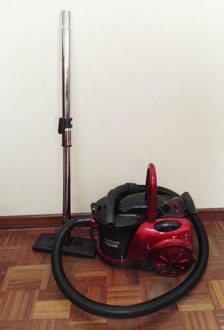 Aspiradora de potencia regulable sin bolsa.