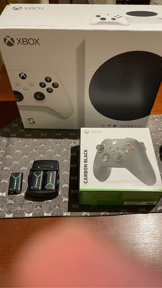 Xbox Serie S + mando negro adicional