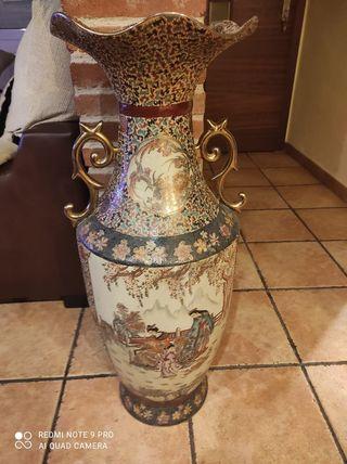 jarrón japonés mide 80 cms de alto satsuma