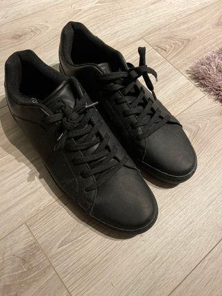 Zapatillas negras total