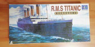 Maqueta de barco Titanic