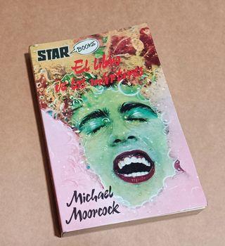 """Libro """"El libro de los mártires"""" Michael Moorcock"""