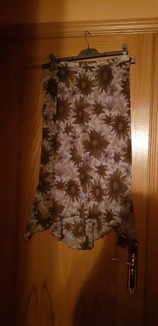 Falda flores marrones