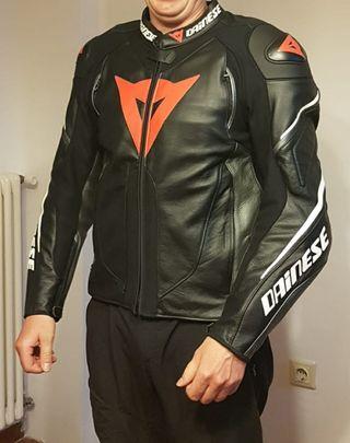 chaqueta piel moto DAINESE