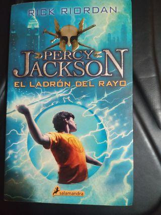 Libro Percy Jackson y el ladrón del rayo