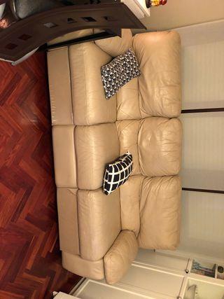 Sofa color crema de piel