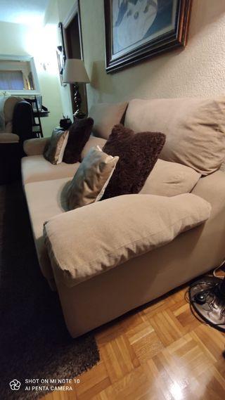 Sofa de 2 piezas. Urge por mudanza!