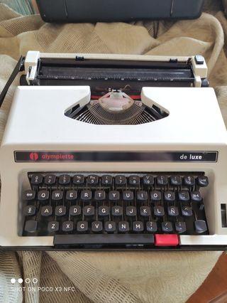 Maquina de escribir Olympiette De luxe.
