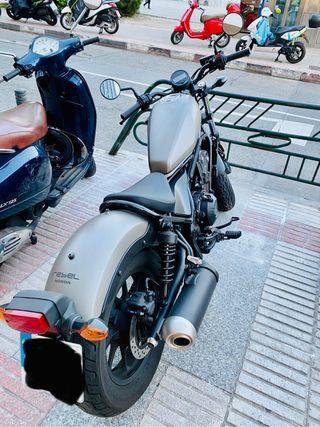 Honda CMX 500 Rebel con menos de 4000 kms