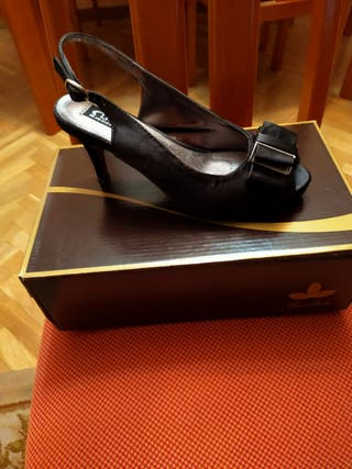 Zapatos de fiesta, número 35