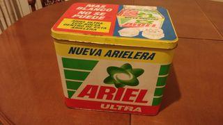 Caja metálica Ariel antigua